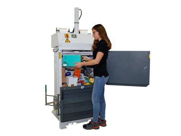 Automatic vertical basic baling press