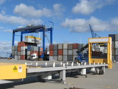 Automated truck loading system